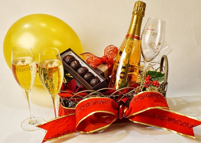 New Years Eve 24K Gold Luxury Gift Baskets by StyleshopUSA ...