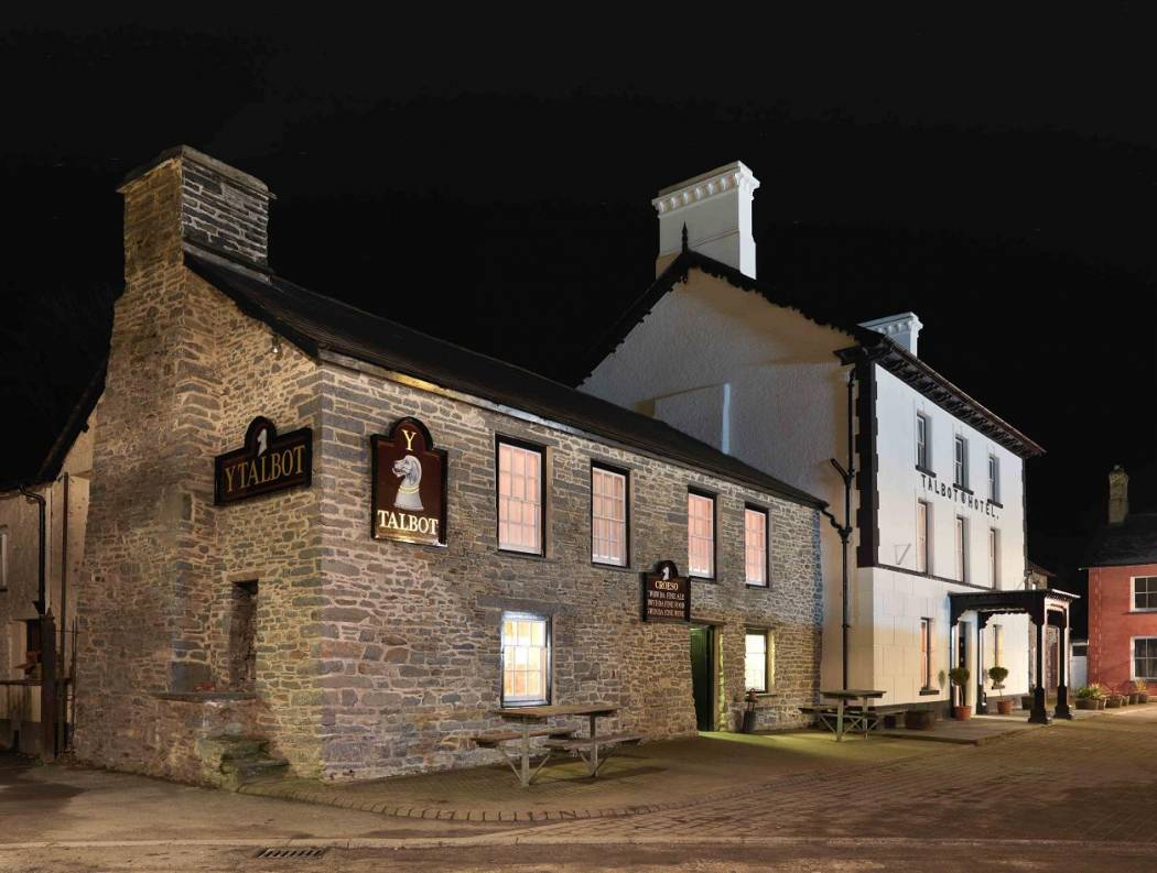 Spend a romantic weekend at Y Talbot