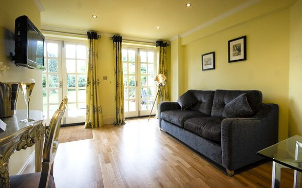 One of Stanwell House's cosy rooms
