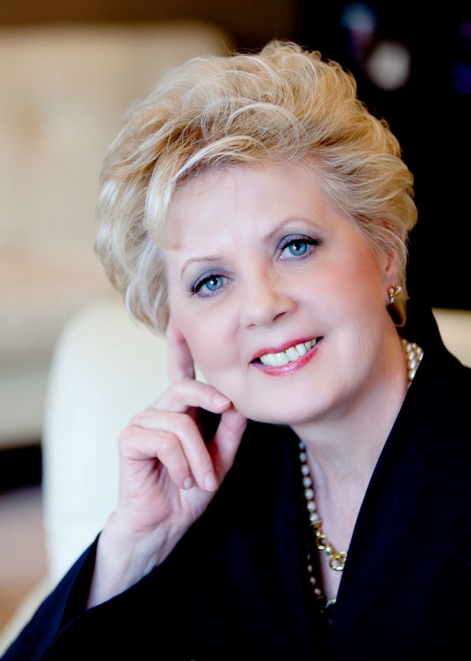 Renowned plastic surgeon Dr. Paula Moynahan