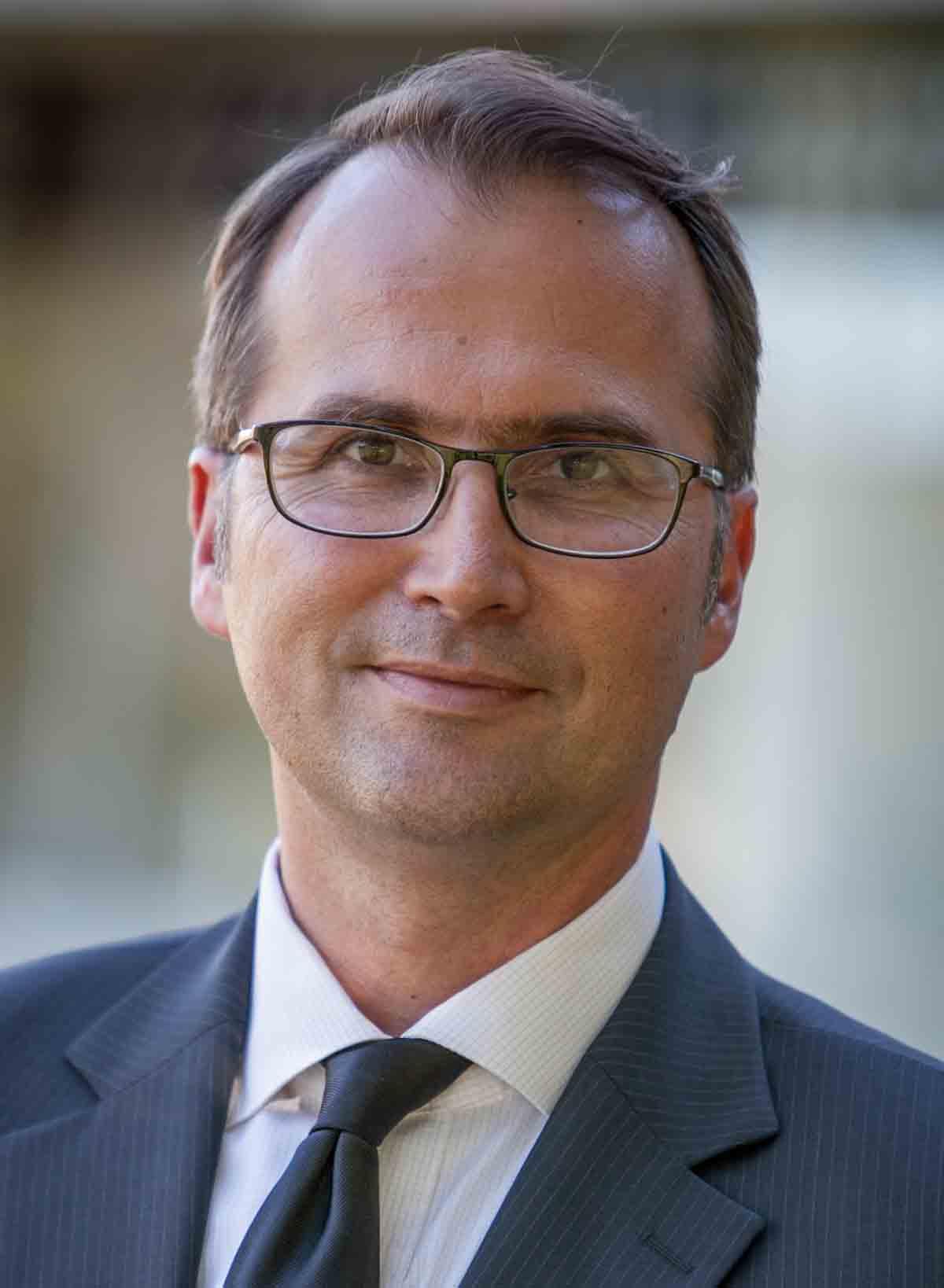 Dr. Gerhard Apfelthaler