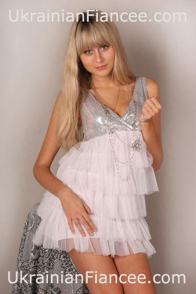 Russian bride Darina 305 at UFMA