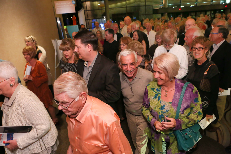 Crowds enter Palm Springs Fine Art Fair - Photo Credit John Paschal JPI Studios