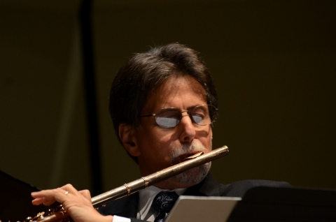 Flutist Peter H. Bloom, diverse repertoire in March tours, photo Will Chouinard