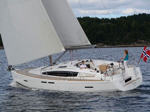 Sun-Odyssey-41DS-sailing4