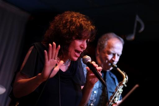 Jazz Siren Angela DeNiro with Saxophonist Ron Aprea