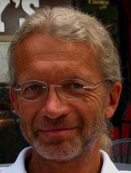 Dr. Thomas Kühne