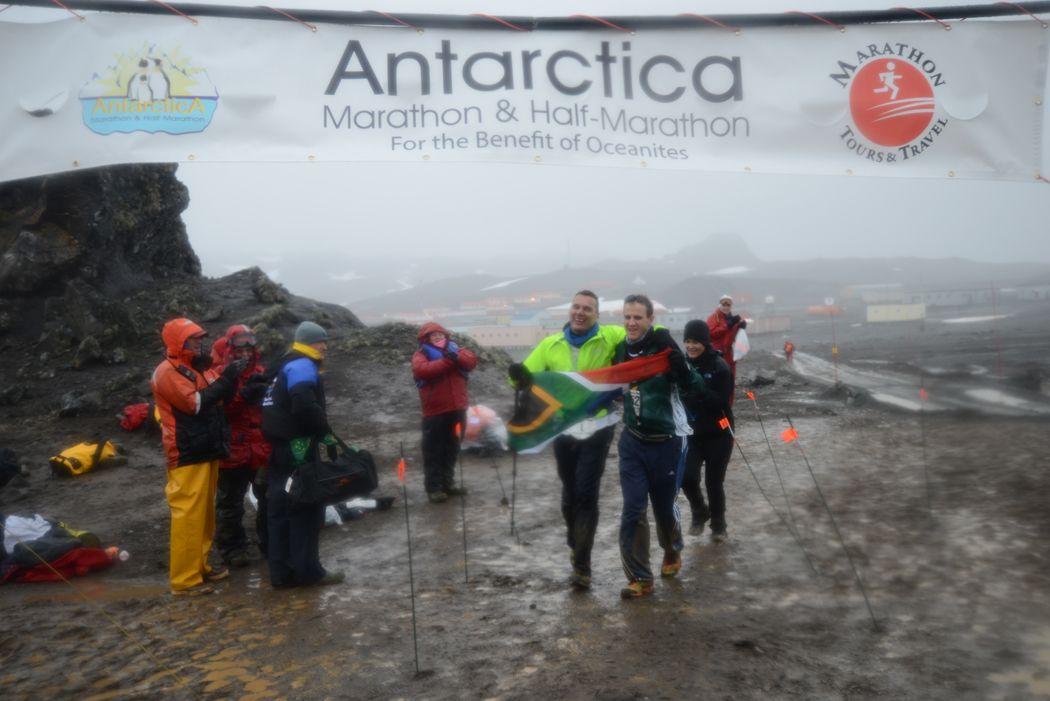 Hein Wagner and guide Nic Kruiskamp finish the Antarctica Marathon in 5:56:01