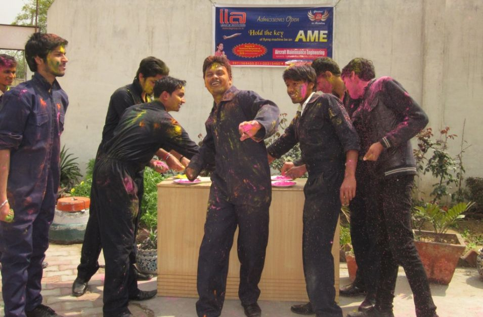 03- JRN Studeants - Holi Celebration