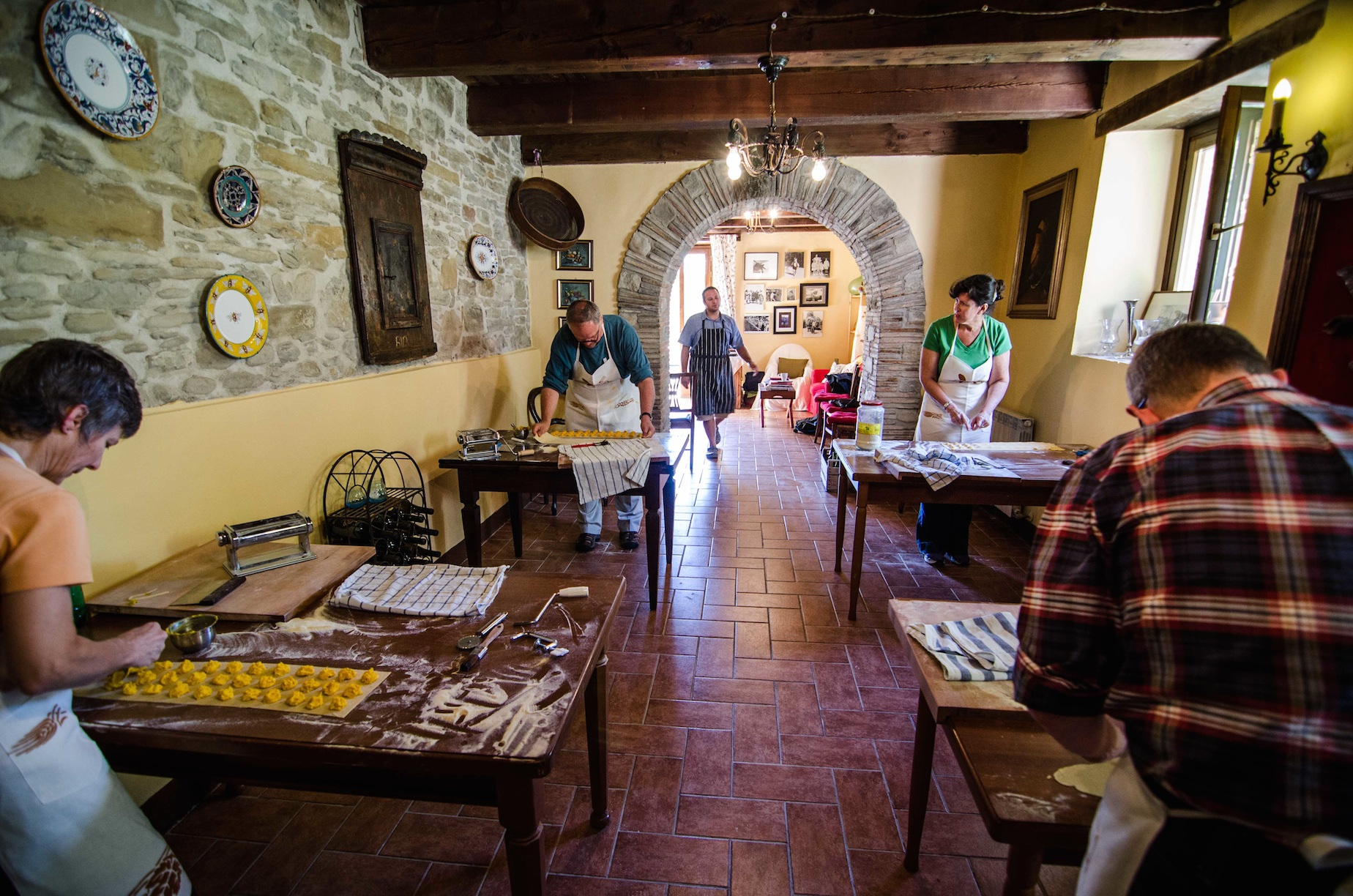 Cooking classes at La Tavola Marche's farmhouse in Italy