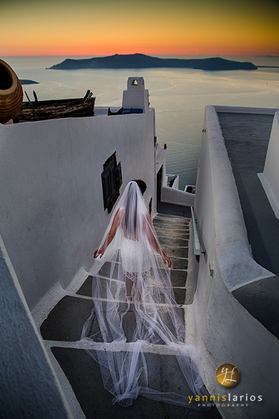 Santorini Wedding Photographer - Yannis Larios