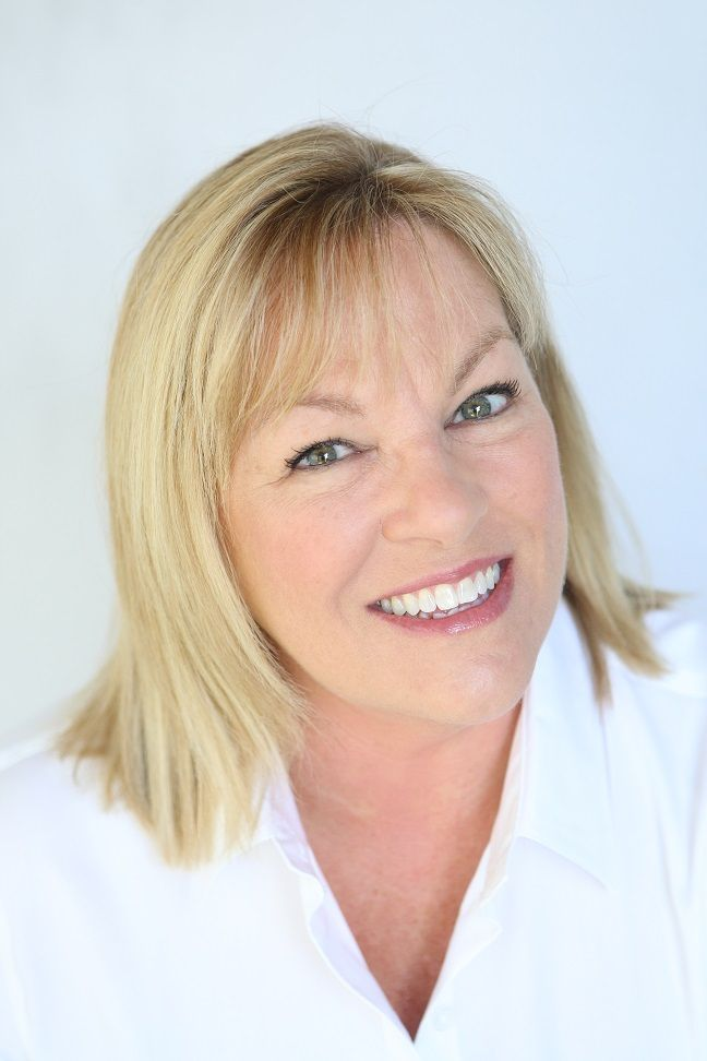Donna Holdaway Joins Coldwell Banker Wallace & Wallace, REALTORS®