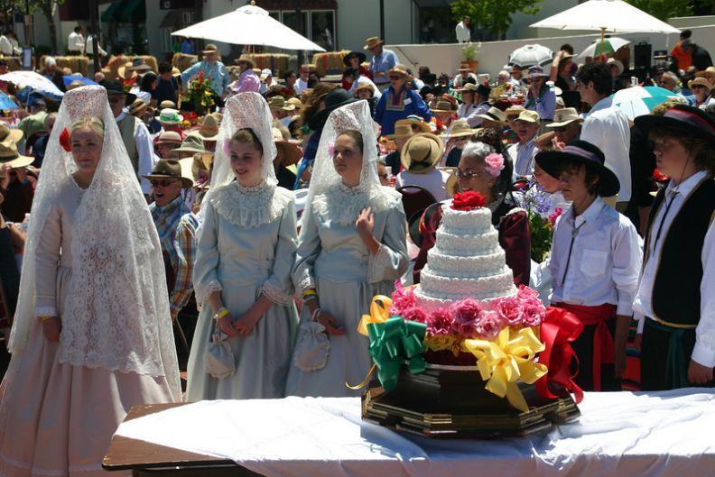 La Merienda event and famous cake