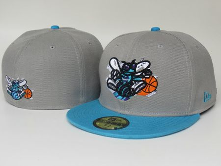 Charlotte Hornets Seasonal Basic Fitted Cap
