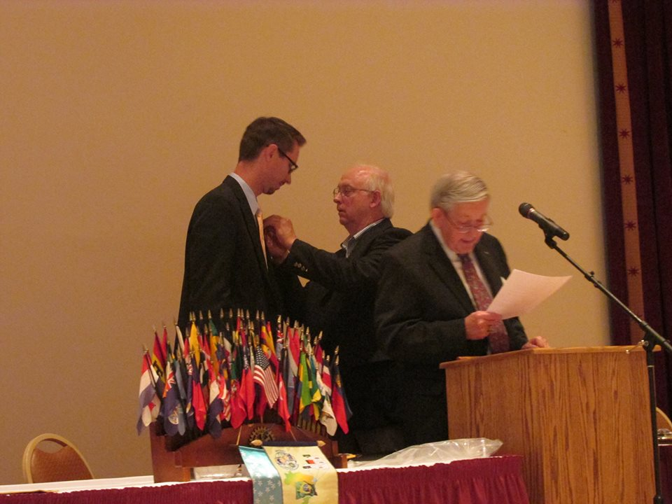 Dr Scot Gray being inducted as President of Marion Rotary Club