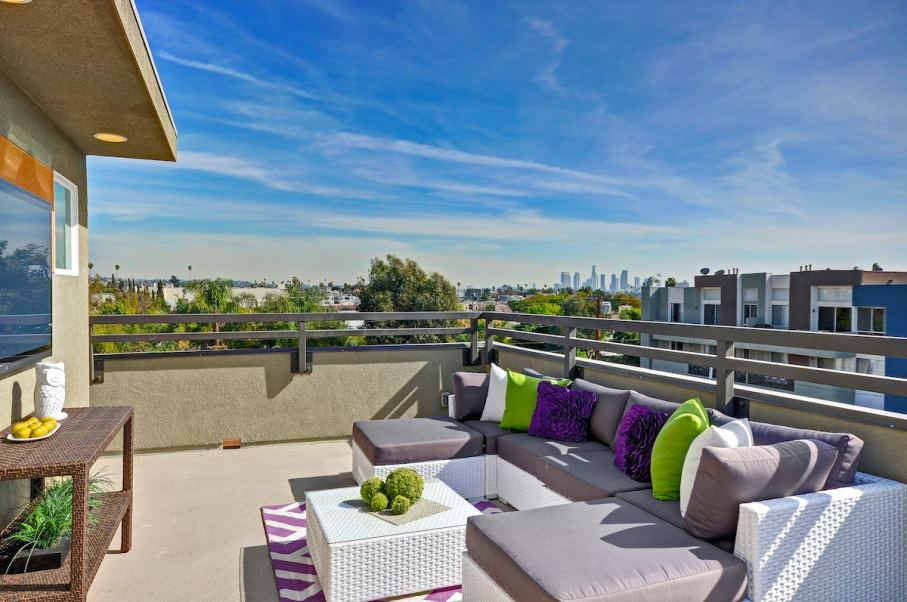 The rooftop lounge included on every home