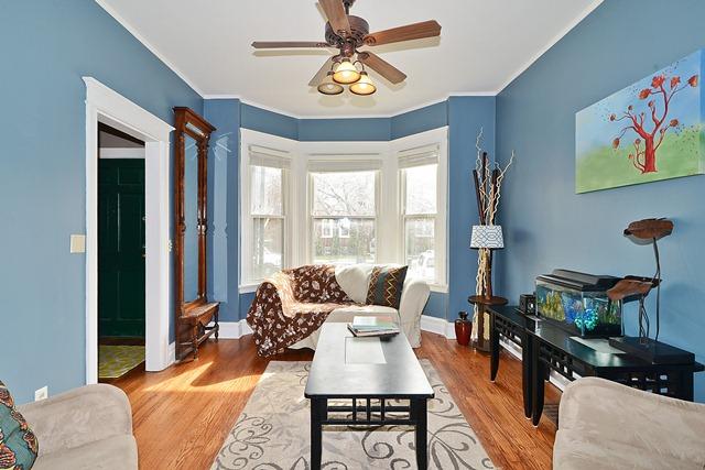 4728 N Kilpatrick Living Room