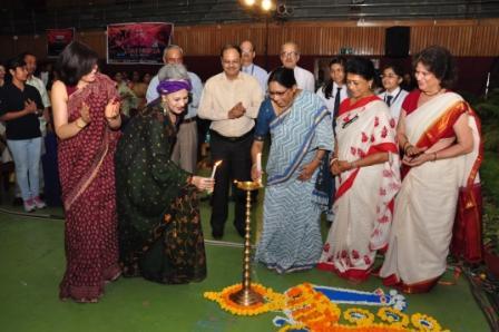 First Lady Smt. Padmini Narayanan & Danseuse Ms. A