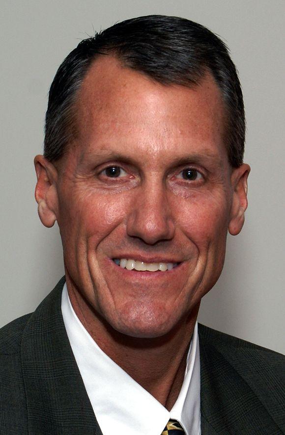 John Schlosser, Sales Manager of Exhibit Systems