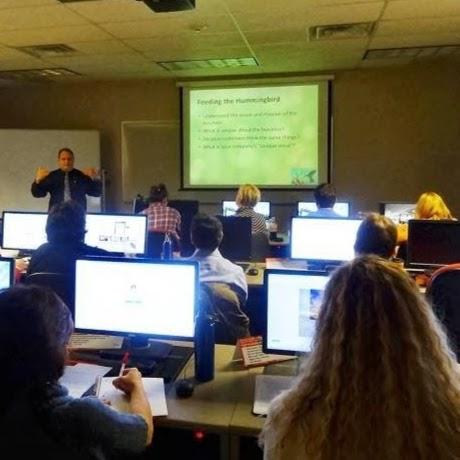 Martin Brossman teaching the Social Media Certificate class
