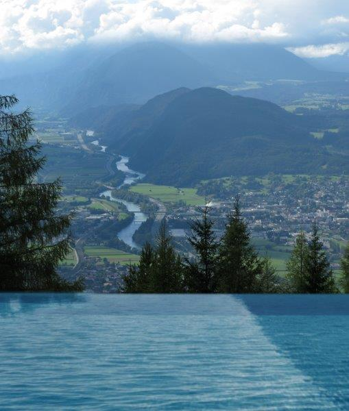 Infinity Pool - For Friends Hotel Moesern Seefeld