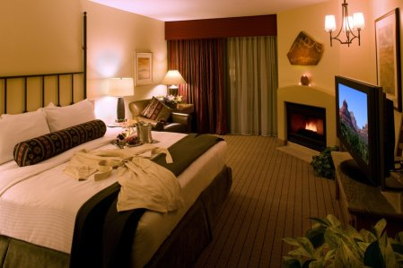 Hilton Sedona Features Luxurious One Bedroom Suites and Deluxe Guest Room
