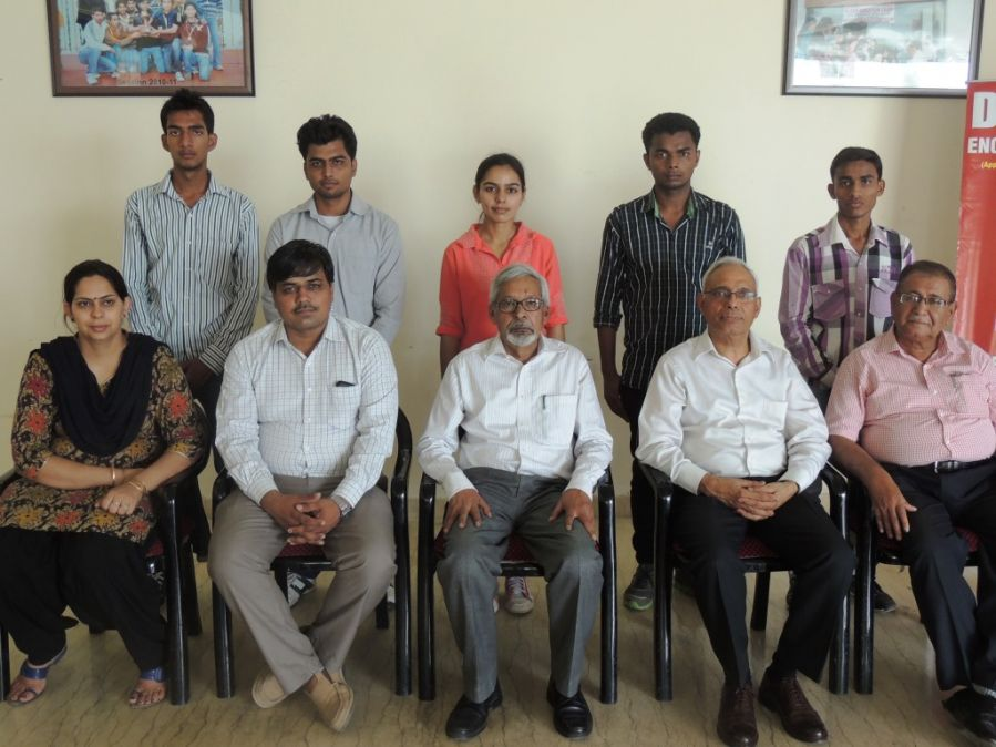 Topper students of DPGITM with Principal- J S Mehenwal and other faculty members