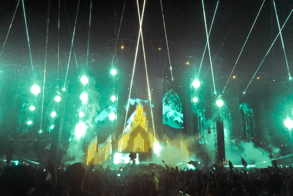 Lasertainment at EDC Las Vegas 2014 - Main Stage Laser Show