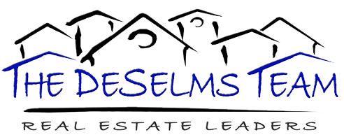 The DeSelms Team Logo