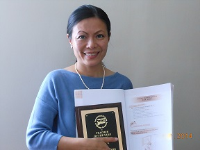 Haiyan Grzelak Receives Teacher Award