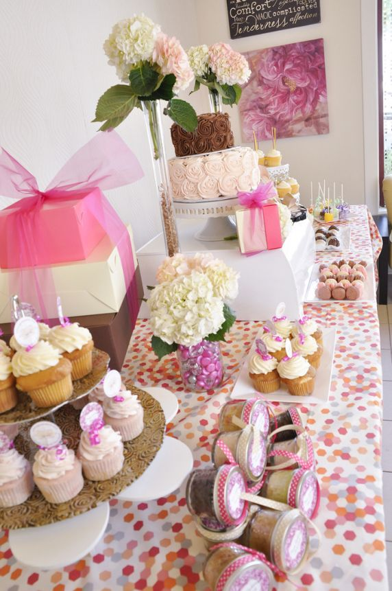 Pretty Girl Cupcakery Expands to Tanger Outlets MD