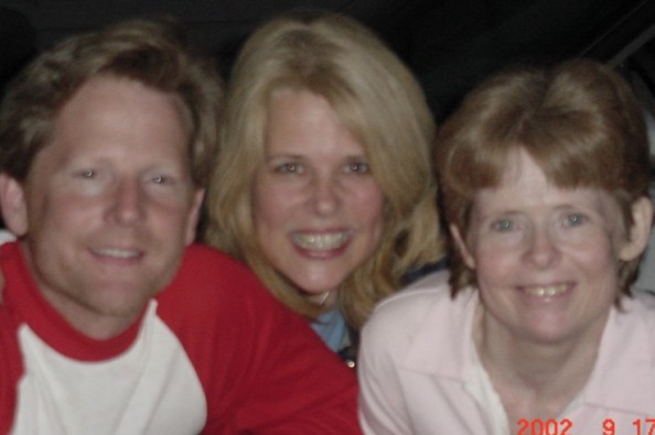 Deni with her sister Lois and brother Scott