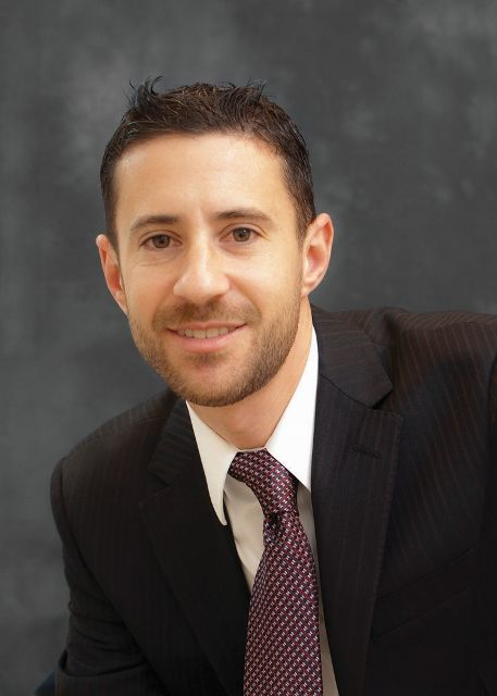 Snell & Wilmer Partner Joshua Schneiderman