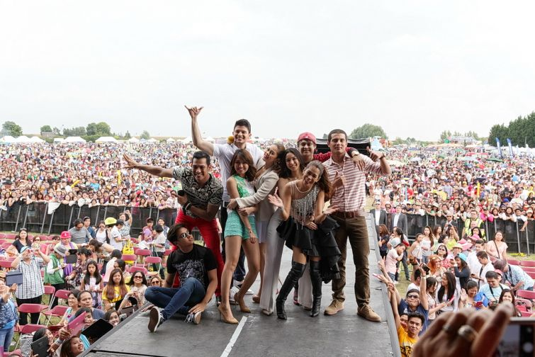 TFC artists and the Barrio Fiesta sa London 2014 c