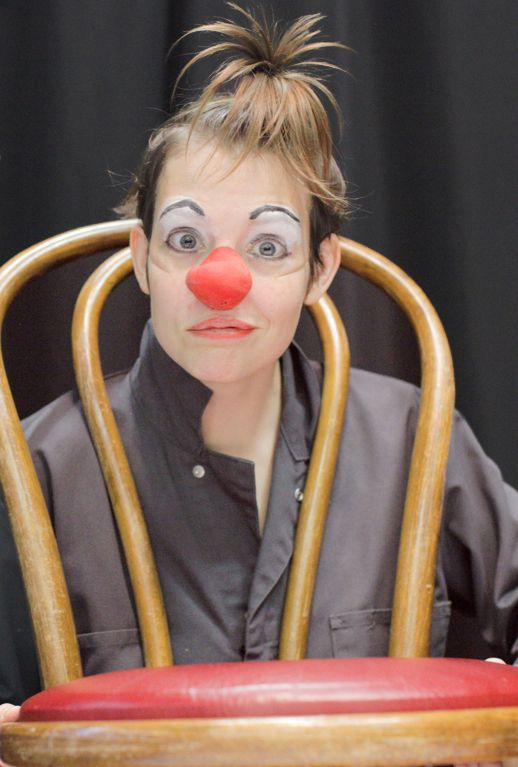 chaise clown picture