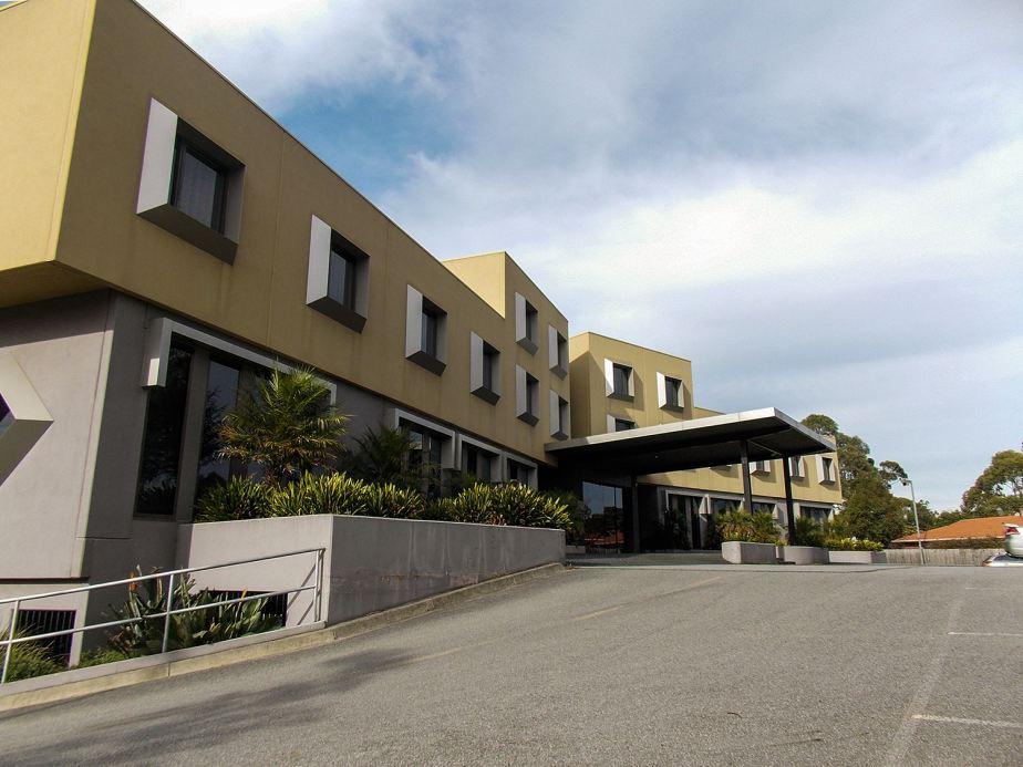 For Sale: The Golden Pebble Hotel & Restaurant, Wantirna Victoria