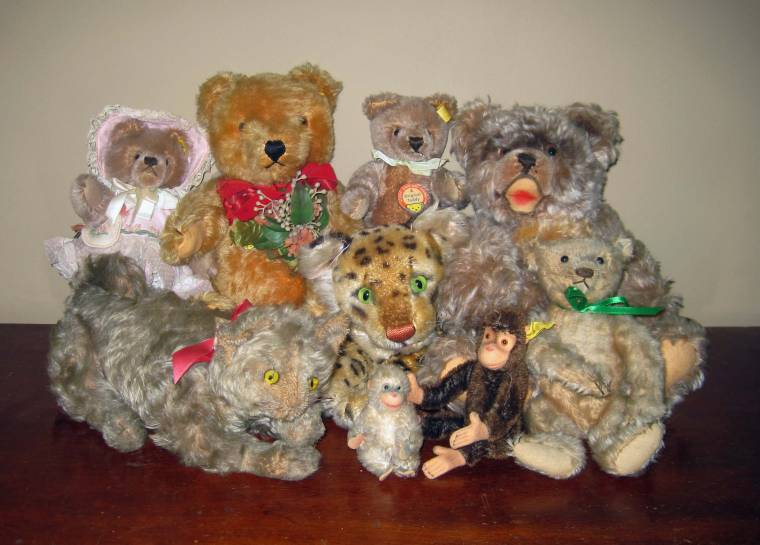The massive bear collection will include examples by Steiff and Merrythought.