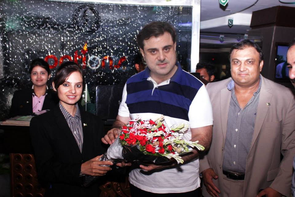 Bilal Yasin welcomed at Options Restaurant