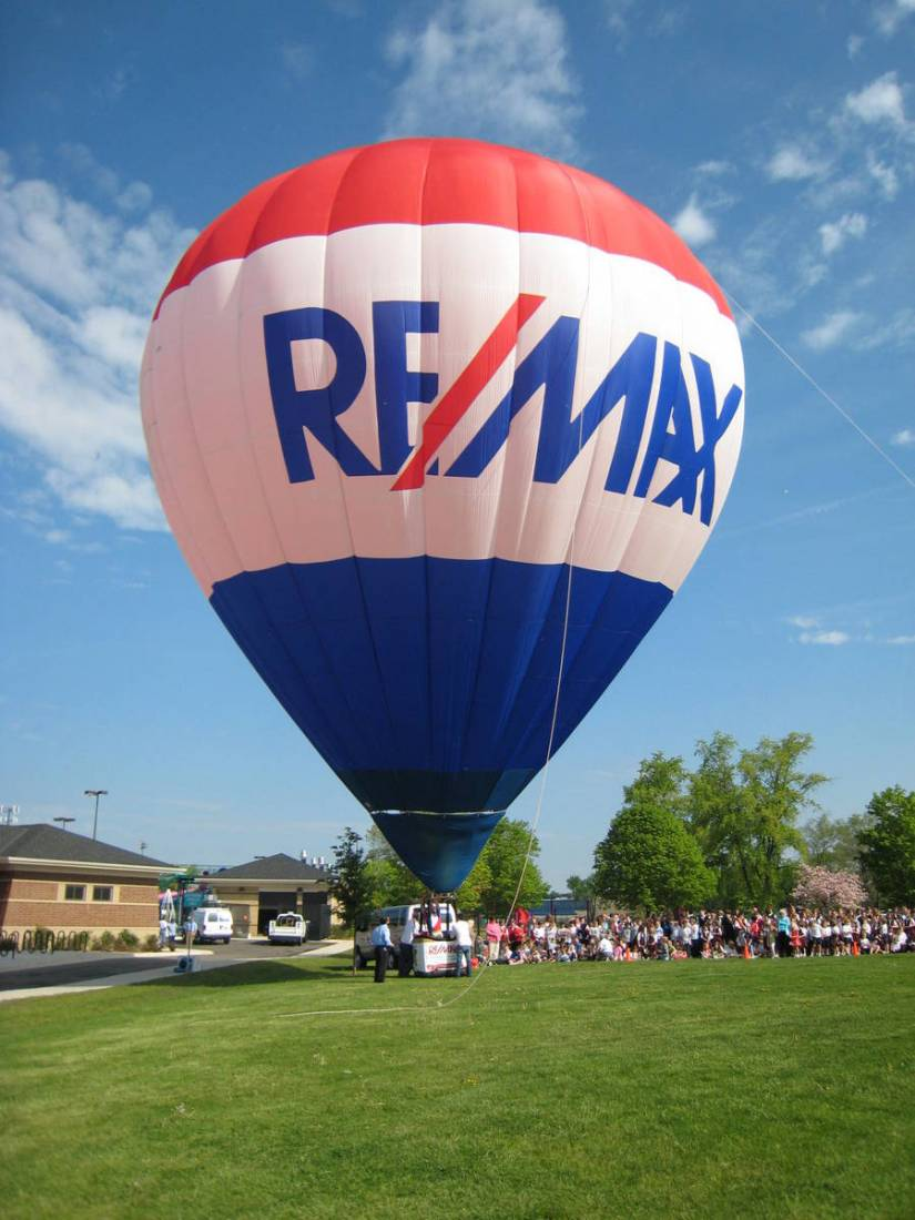 RE/MAX Hot Air Balloon inflation