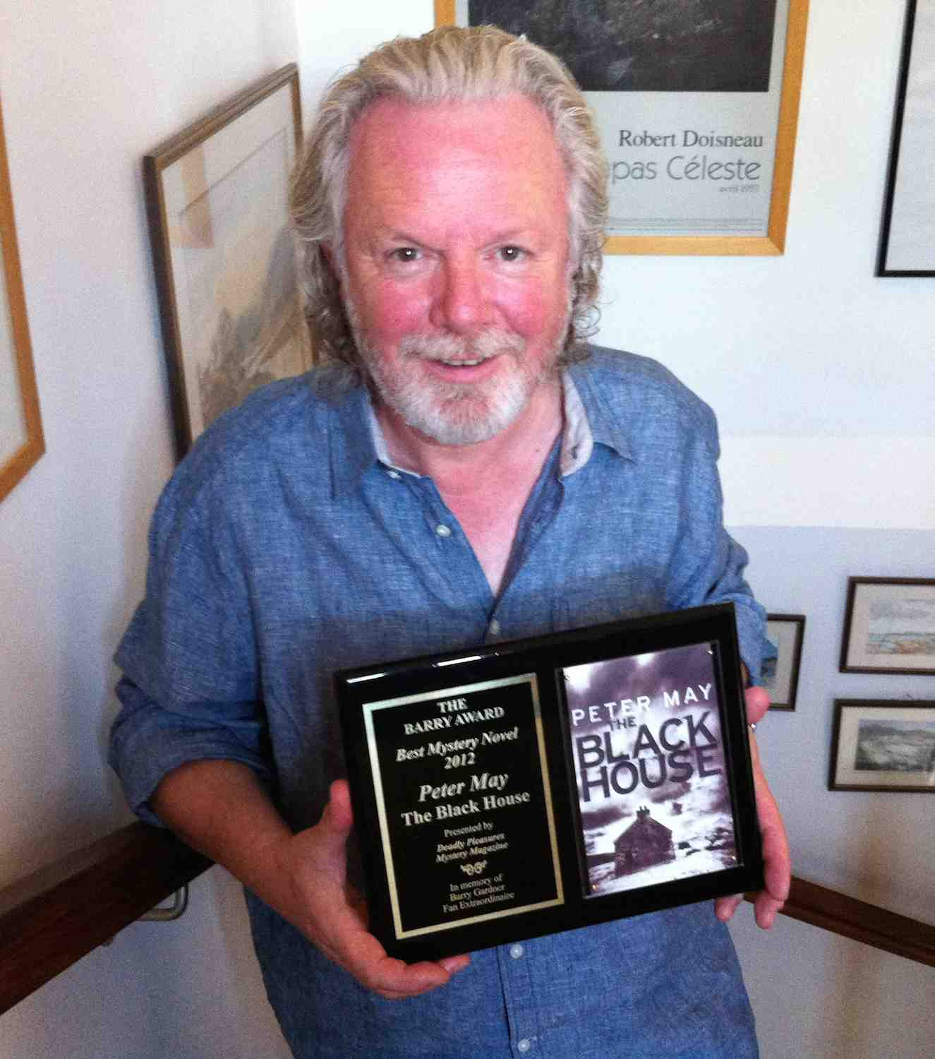 Peter May with US BarryAward for Best Crime Novel for The Blackhouse