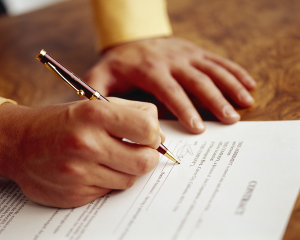 legal english lesson contracts.