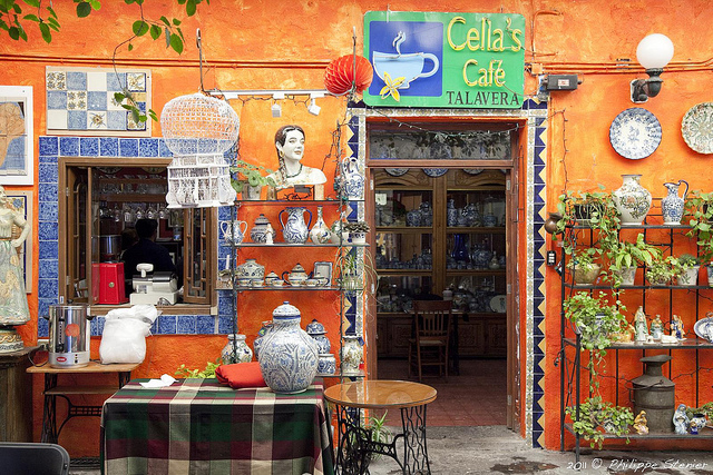 cafe and pottery in Puebla
