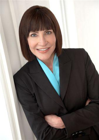 Eva Bauer celebrates 30 years with RE/MAX DFW Associates!
