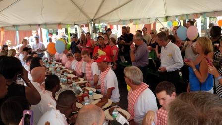 Contestants Prepare to Chow Down at Woody's Bar-B-Q Spare Rib Eating Contest