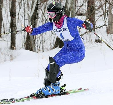 how to win in downhill skiing