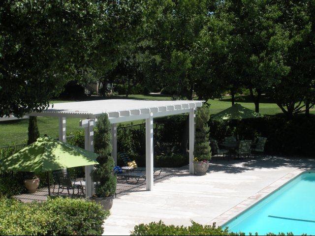 Furnished Apartment Fresno - Pool Area