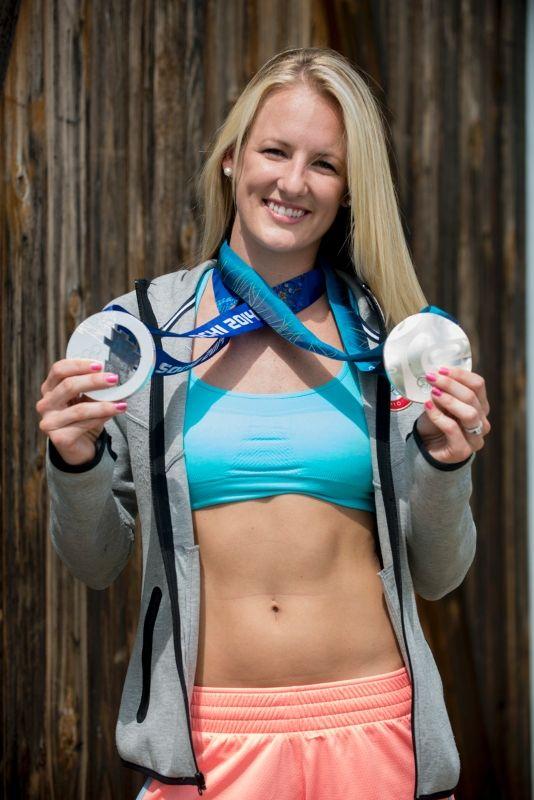 Hockey Goalie, Brianne McLaughlin, 2x Silver Medalist