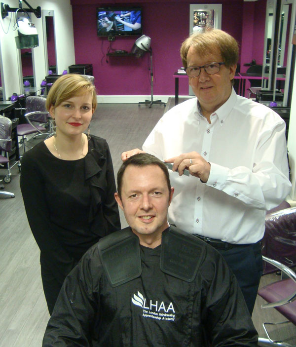 how to get a hairdressing apprenticeship