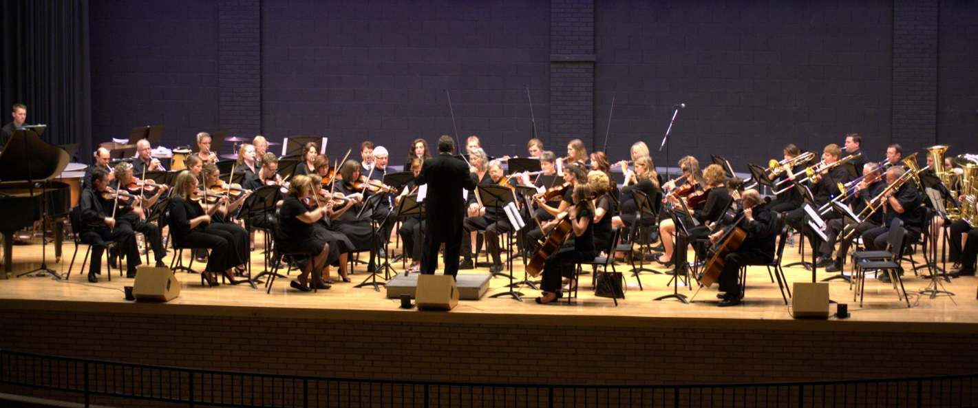 Maestro Eduardo Cedeno and the Lake Norman Orchestra