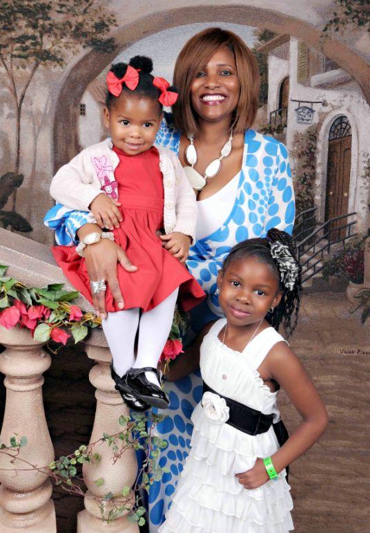 Author Chanda N. Holsey Picture w/ Daughters - Savannah 'Savvie' & Erin Morgan